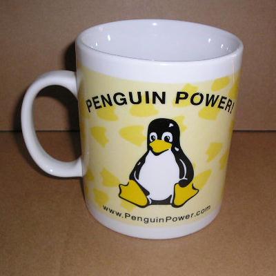 Tux sulla tazza Penguin Power (è raffigurato anche sull'altro lato)